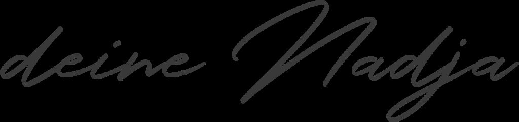 deine Nadja - Unterschrift